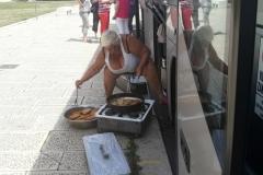 Oběd u autobusu